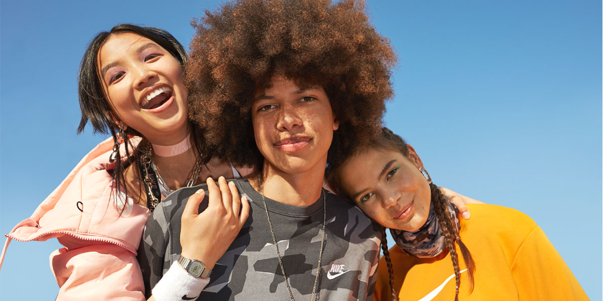 Nike Werbespot mit Lisa und Louisa - Sportswear Nike Factory Store